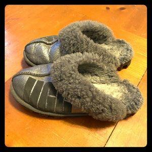 Women's UGG slippers